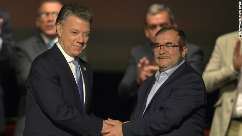Colombia, FARC rebels sign revised peace deal