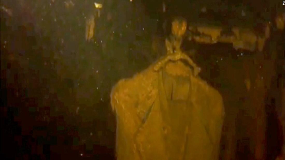 Camera explores inside sunken USS Arizona (2016)