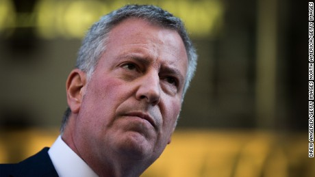 Federal and state investigations into the fundraising practices of New York Mayor Bill de Blasio have concluded without criminal charges, prosecutors say.