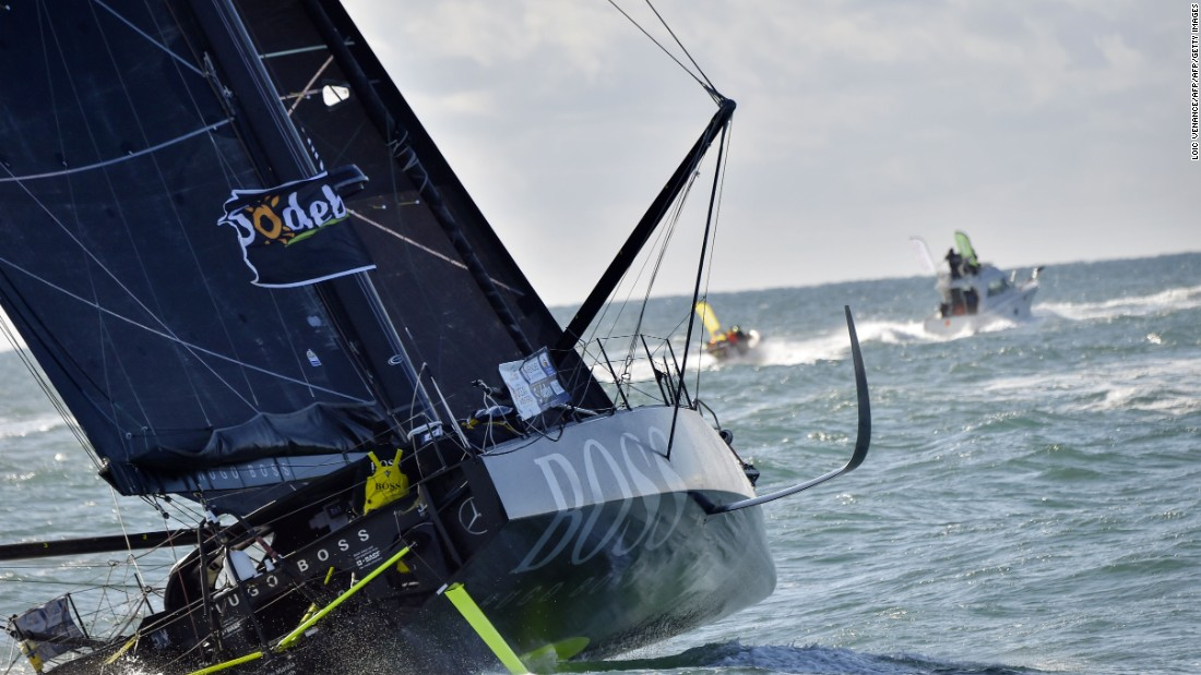 British skipper Alex Thomson has broken two records in the 2016-17 Vendee Globe race.