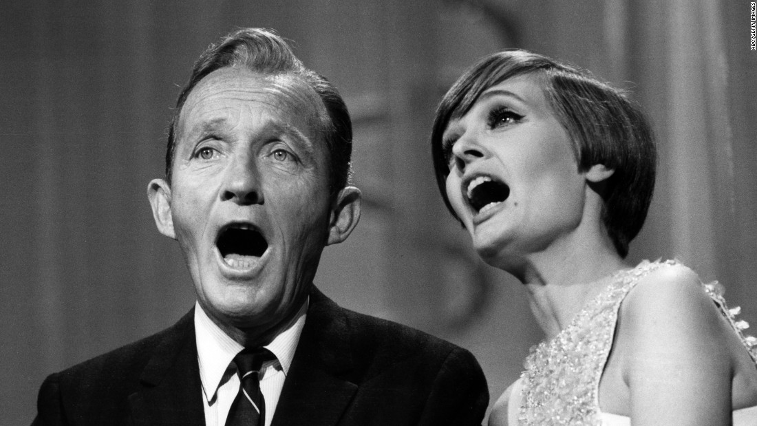 "Henderson sings with Bing Crosby on the variety show ""The Hollywood Palace"" in 1968."