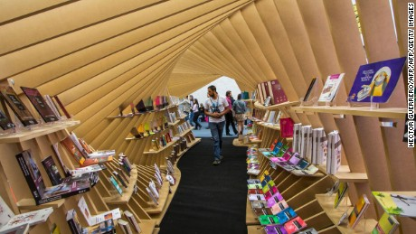 Picture taken on the opening day of the International Guadalajara Book Fair, the biggest literary event in the Spanish-speaking world, in Guadalajara, Mexico, on November 26, 2016. This year's guest of honour is Latin America. / AFP / Hector GUERRERO        (Photo credit should read HECTOR GUERRERO/AFP/Getty Images)