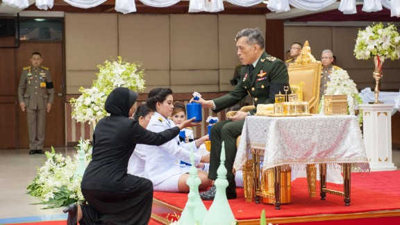 Crown Prince Maha Vajiralongkorn handing out an award for a Quran recital competition in Thailand in November.