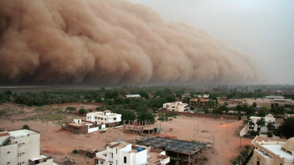 "A gigantic cloud of dust known as ""Haboob"" advances over Sudan"