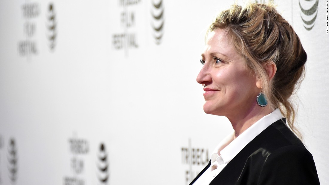 "Actress Edie Falco, star of the upcoming film ""The Comedian,"" will help honor the 2016 CNN Heroes top 10."
