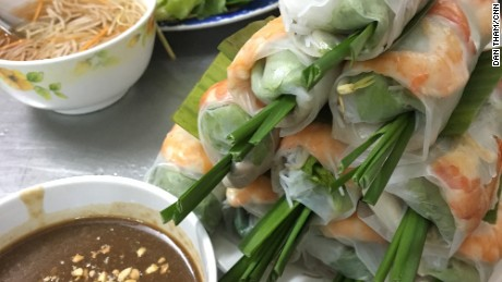 The Vietnamese spring roll, not to be confused with its fried cousin, is a popular appetizer commonly made with slices of pork belly, shrimp, cold vermicelli noodles, and veggies like lettuce, mint and chives.