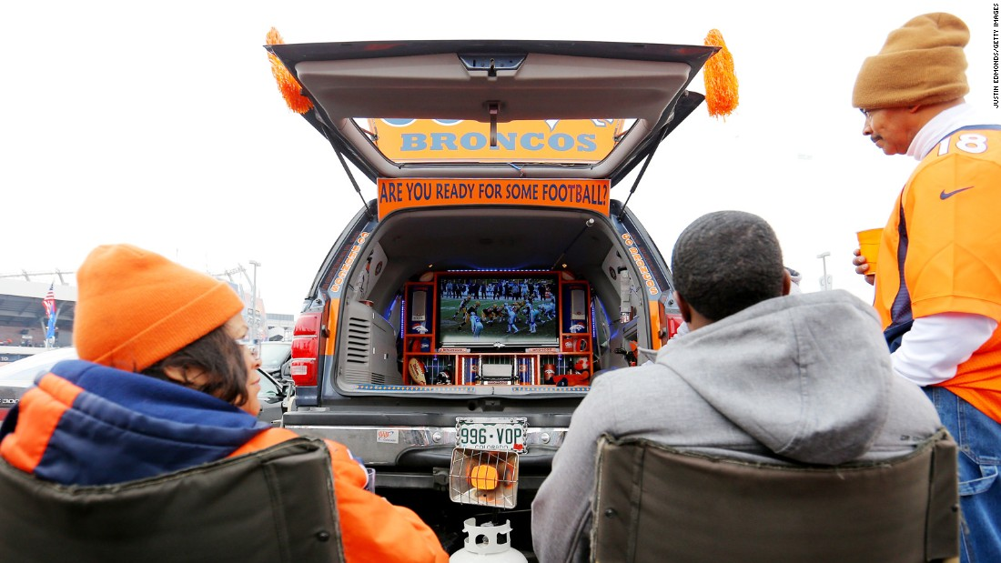 Some tailgaters will even bring a TV and a generator so fans can watch the pregame show in the parking lot.