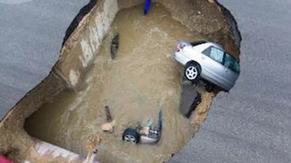Texas deadly sinkhole _00000113.jpg
