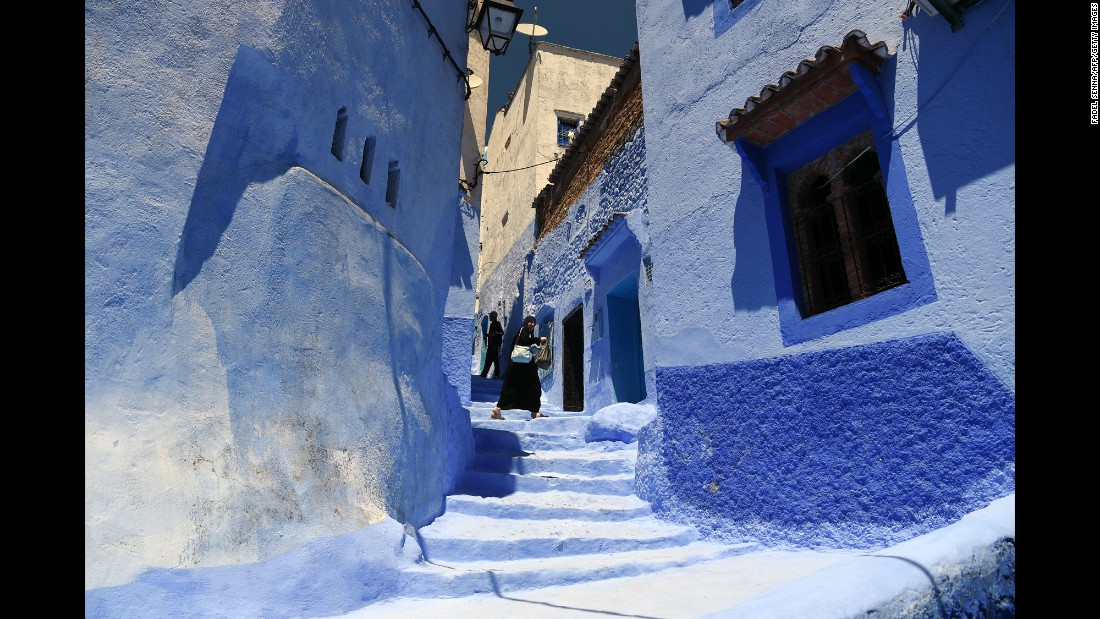 The mesmerizing blue within the maze of the city's 'old town' date back to a 15th century custom. When Jewish refugees fleeing the Spanish inquisition settled in Chefchaouen, they wanted the buildings and streets to mirror the sky so they could be reminded of God.