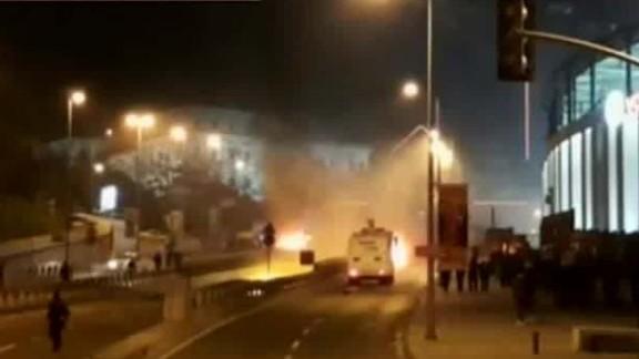 explosions istanbul taksim square sot_00011503.jpg