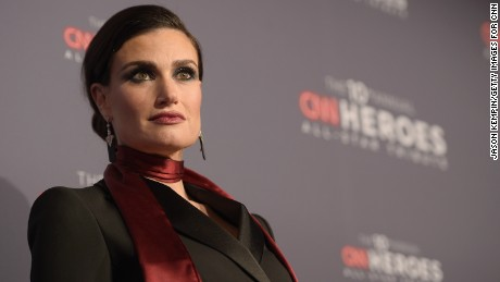 NEW YORK, NY - DECEMBER 11:  Singer Idina Menzel attends CNN Heroes Gala 2016 at the American Museum of Natural History on December 11, 2016 in New York City. 26362_012  (Photo by Jason Kempin/Getty Images for Turner)