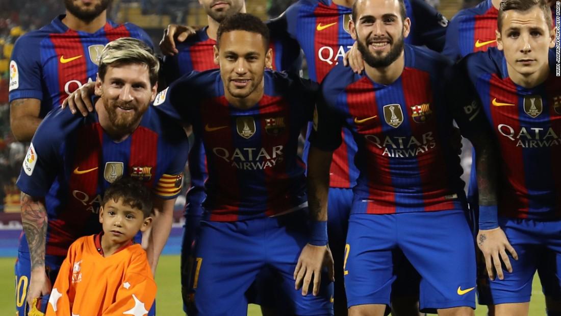 021bc3159 Lionel Messi meets  plastic shirt  boy Murtaza Ahmadi - CNN
