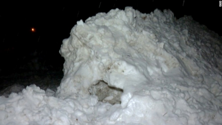 Boy dies building a snow fort