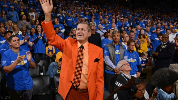 Craig Sager, the longtime Turner Sports sideline reporter best known for his colorful -- and at times fluorescent -- wardrobe, died December 15 after battling acute myeloid leukemia, the network said. He was 65.