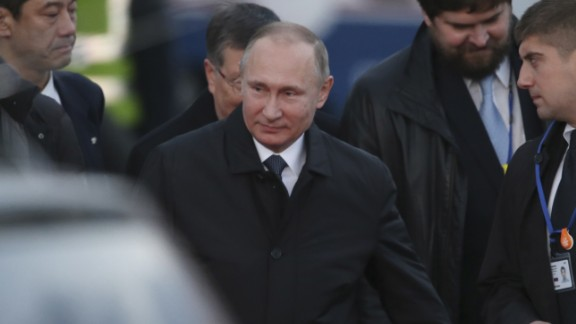 Putin arrives at Yamaguchi Ube Airport in Ube, western Japan on December 15, 2016.