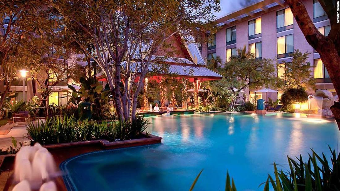 World S Most Luxurious Airport Hotels Cnn Travel