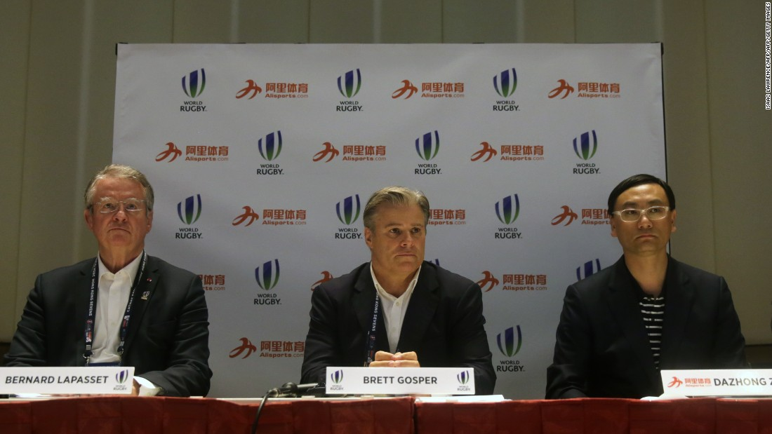 World Rugby -- CEO Brett Gosper is pictured center at a 2016 press conference in Hong Kong -- is pushing to make its mark on the world's biggest market.
