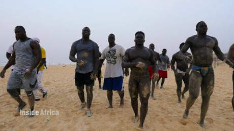 inside africa senegal wrestling b_00005228