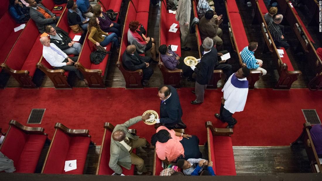 Charleston Kirche, die das Ziel einer weißer Rassist, ist das Thema einer state-Sonde