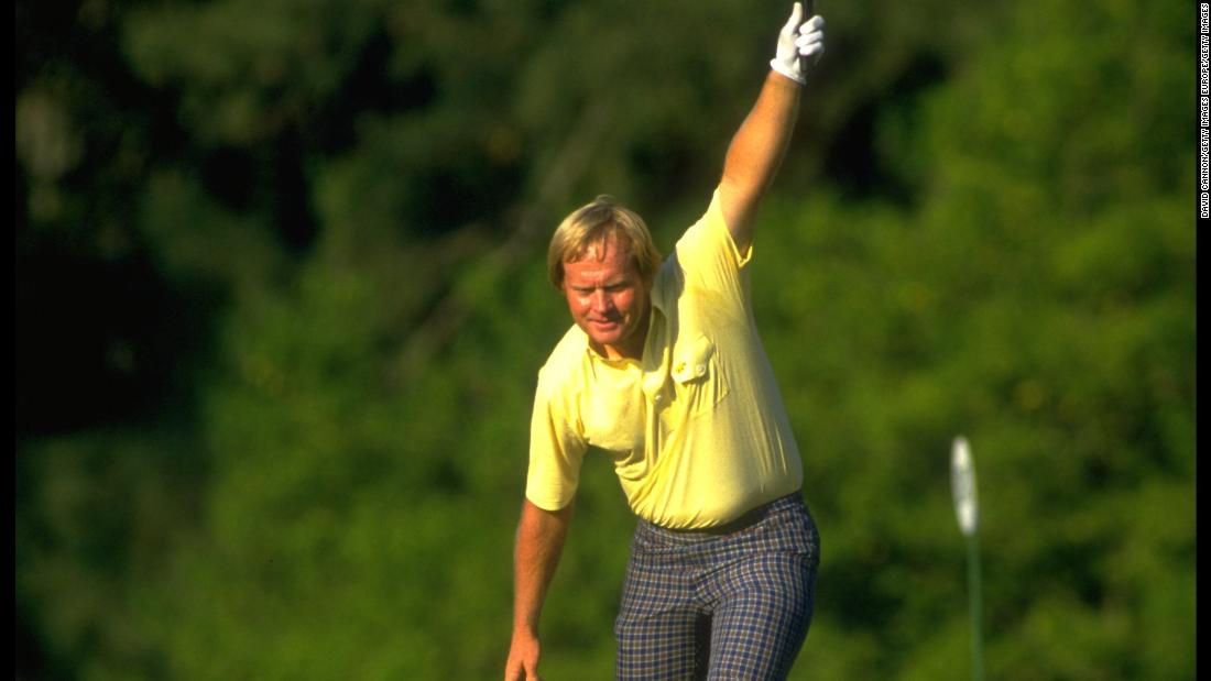 Jack Nicklaus holed a birdie putt on the 17th to take the lead in the 1986 Masters.