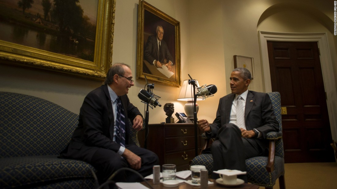 "Obama and Axelrod sit together in the White House as they tape a podcast for the <a href=""http://rss.cnn.com/services/podcasting/axe/rss"" target=""_blank"">""Axe Files""</a> in December 2016."