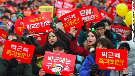 Organizers estimate around 250,000 people  turned out for Saturday's protest rally in Seoul.