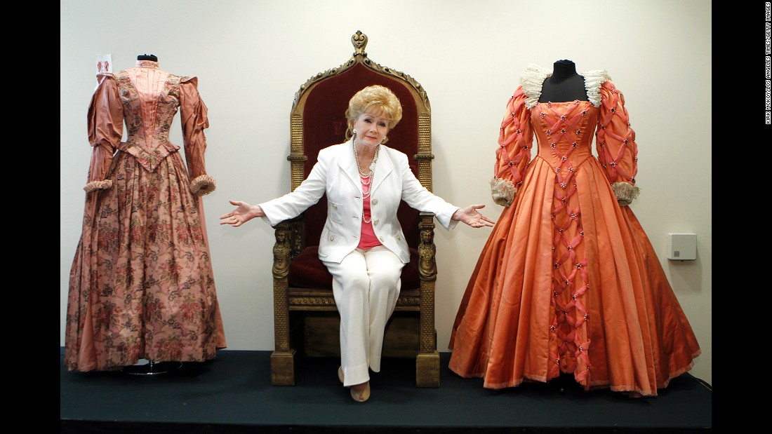 Reynolds poses before the auction of her massive collection of memorabilia from classic movies in 2011  sc 1 st  CNN.com : jefferson davis costume  - Germanpascual.Com