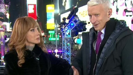 new years eve anderson cooper kathy griffin mark wahlberg hall pass_00001114