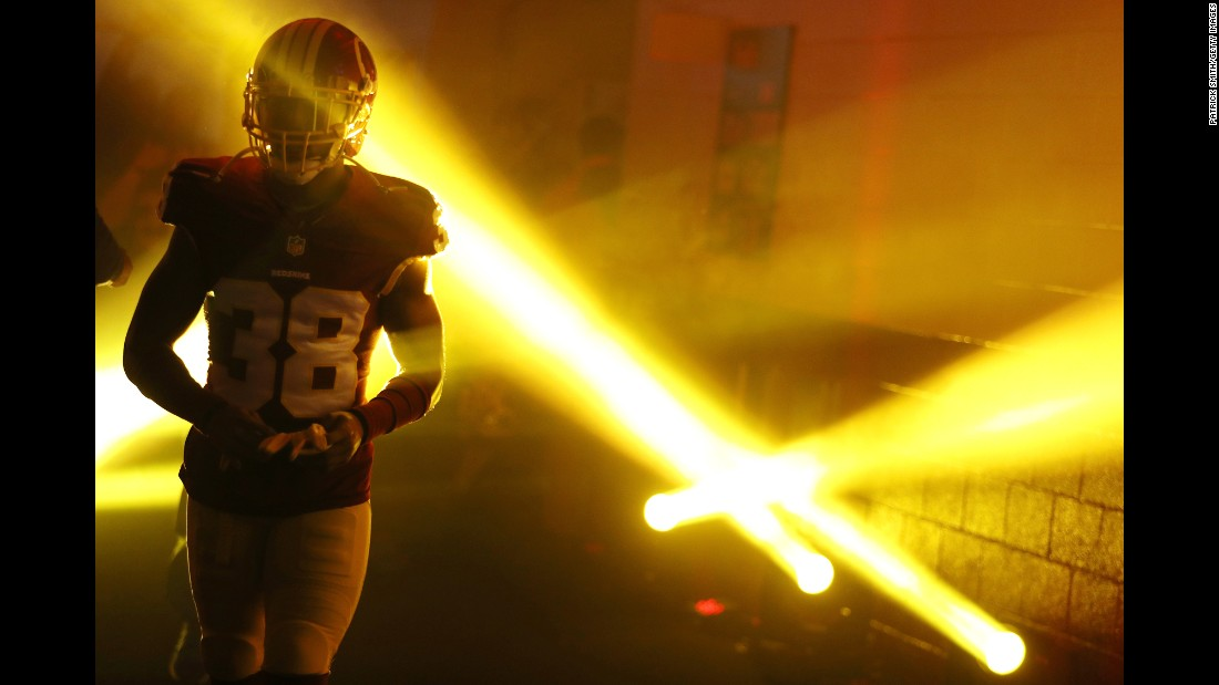 Washington cornerback Kendall Fuller walks to the field before an NFL home game against the New York Giants on Sunday, January 1.