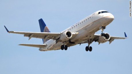 United Express Embraer E170