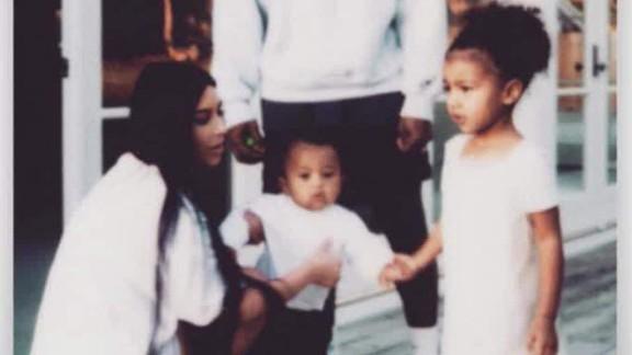 Kim Kardashian social media_00004023.jpg
