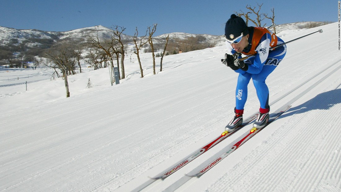 The position is now widely used in many varieties of skiing, including cross-country (pictured).