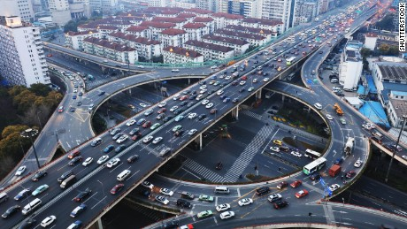 Living close to a major roadway could increase dementia risk, study says