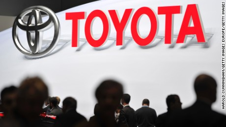 GENEVA, SWITZERLAND - MARCH 02:  A Toyota logo is displayed during the Geneva Motor Show 2016 on March 2, 2016 in Geneva, Switzerland.  (Photo by Harold Cunningham/Getty Images)