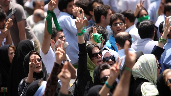 Iranian opposition supporters protest in Tehran after powerful cleric Akbar Hashemi Rafsanjani ended his Friday prayers sermon on July 17, 2009.