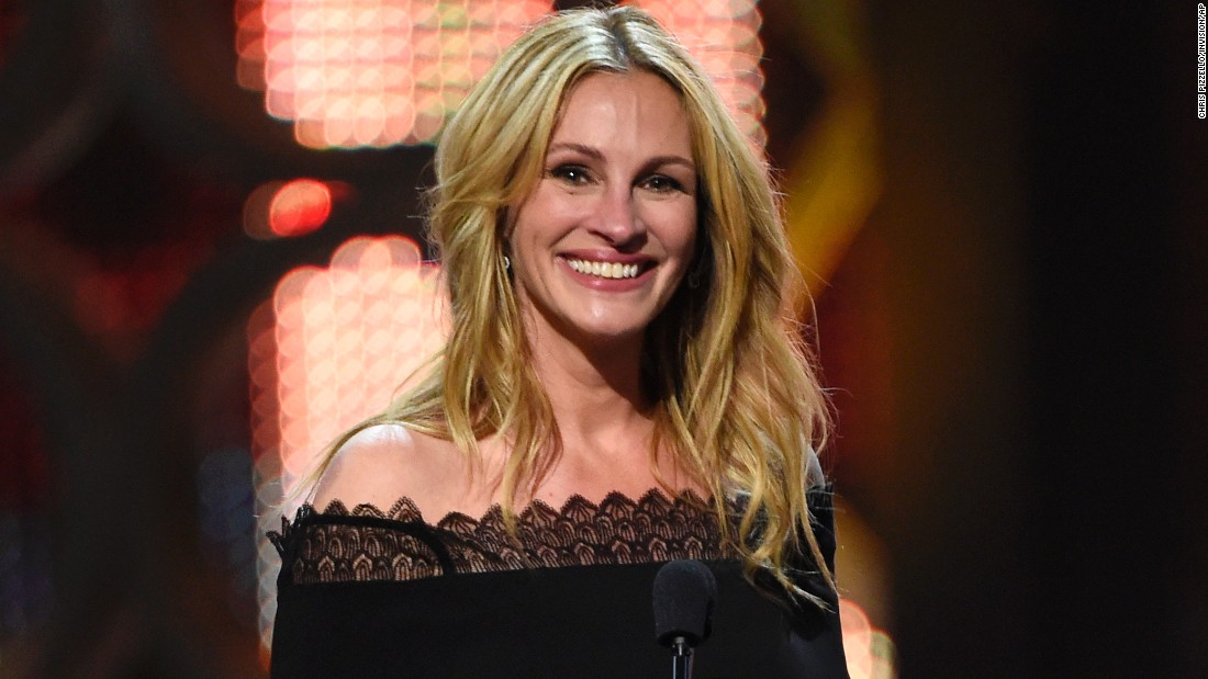 "Such a ""Pretty Woman!"" Julia Roberts celebrates her 50th on October 28."