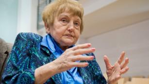 Eva Kor: Survivor of Auschwitz Nazi experiments preaches forgiveness