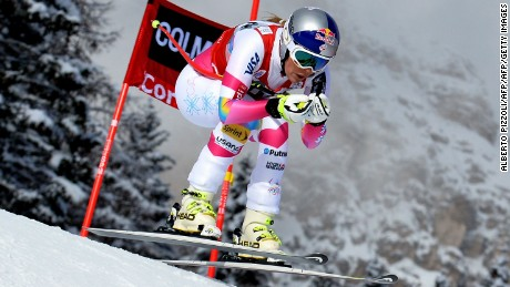 Vonn competing in Cortina D'Ampezzo in 2015.