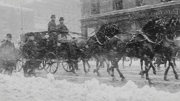 President William H. Taft rides to the Capitol on his Inauguration Day in 1909.
