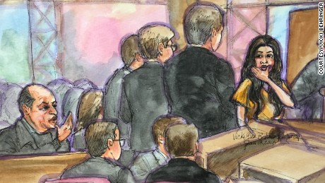 Sketch of Noor Salman blowing a kiss to her uncle Al Salman at a hearing in January.