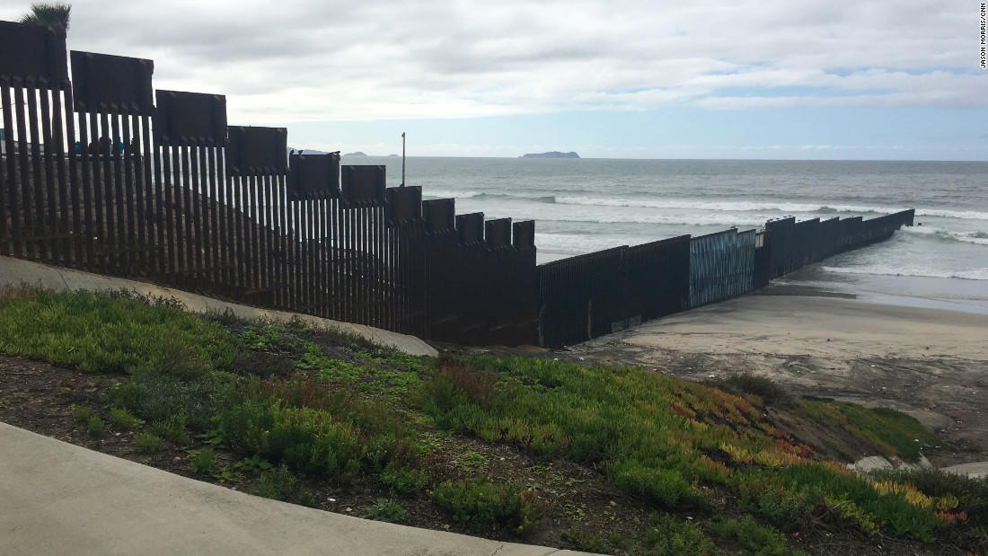 The places where thousands cross the US-Mexico border on foot each
