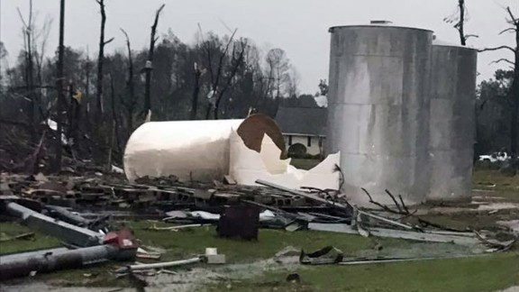 Georgia Gov. Nathan Deal has declared a state of emergency in seven south Georgia counties.