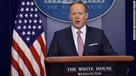 White House Press Secretary Sean Spicer holds the daily press briefing January 23, 2017 at the White House in Washington, DC. / AFP / Nicholas Kamm        (Photo credit should read NICHOLAS KAMM/AFP/Getty Images)