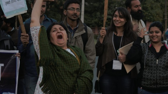 Long-time activist, Nisha Sidhu, leads the younger protesters in a chant, at Jaipur
