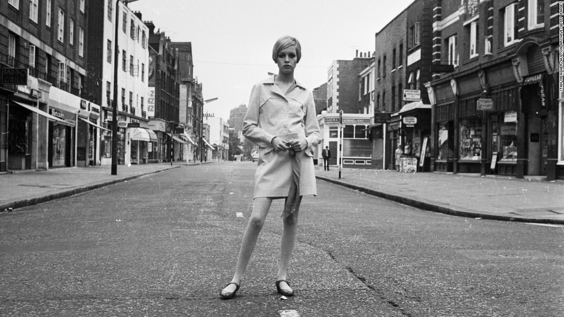 One of Mary Quant's best known designs is the mini skirt, which brought the spirit of the young and liberated to runways in the 1960s, and became a symbol of 60s swinging London.<br />