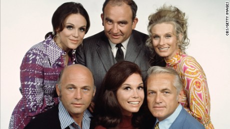 The cast  in 1972 included Valerie Harper, Ed Asner, Cloris Leachman, Gavin MacLeod, Mary Tyler Moore  and Ted Knight.