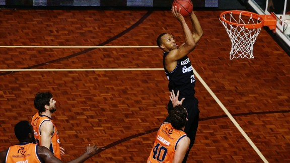 Akil Mitchell shoots for the Breakers