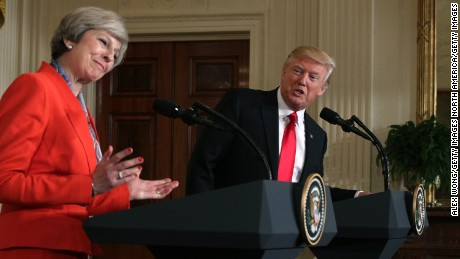 cnnee brk trump conferencia con theresa may _00053717