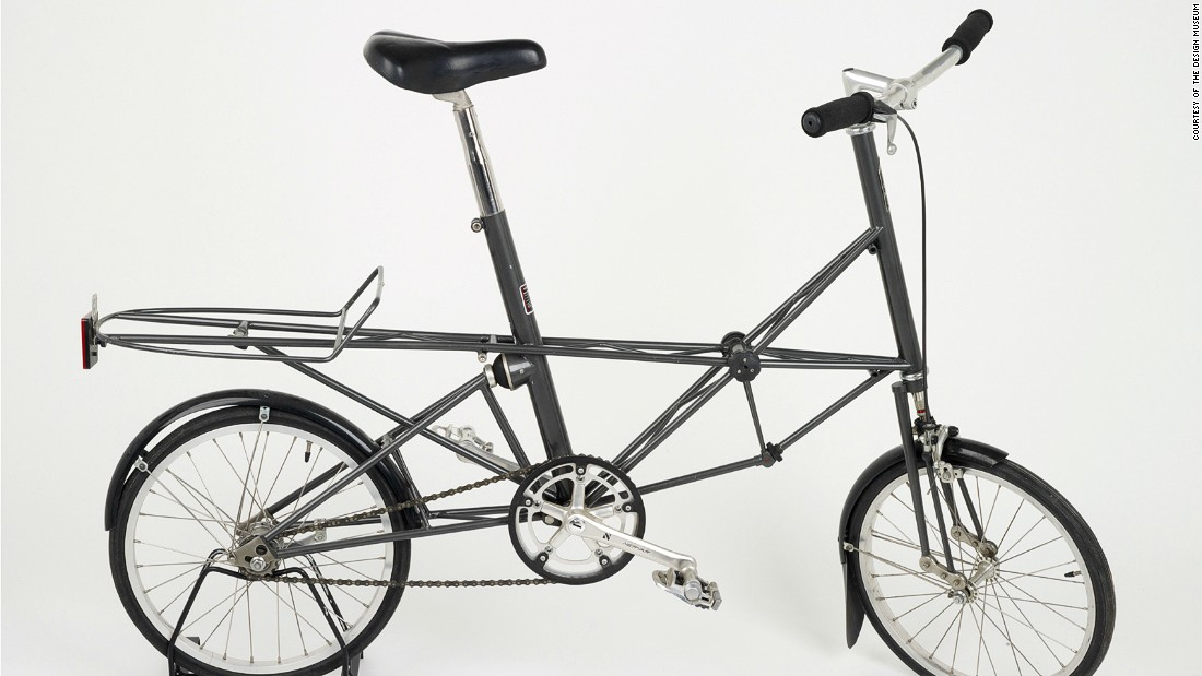 Innovator Alex Moulton introduced the small-wheeled but full-sized bicycle with both front and rear suspension systems for enhanced comfort at the 1962 Earls Court Cycle Show. It ws an instant success and the mold-breaking design became the forerunner of the lightweight small-wheeled bikes and foldable frames popular among urban cyclists today.<br />