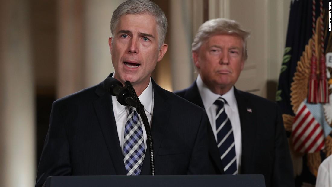 'Wollen Sie wirklich, mich zu regieren?': Neil Gorsuch auf der Supreme Court ist nach rechts und Renn-Maskottchen in den Hallen